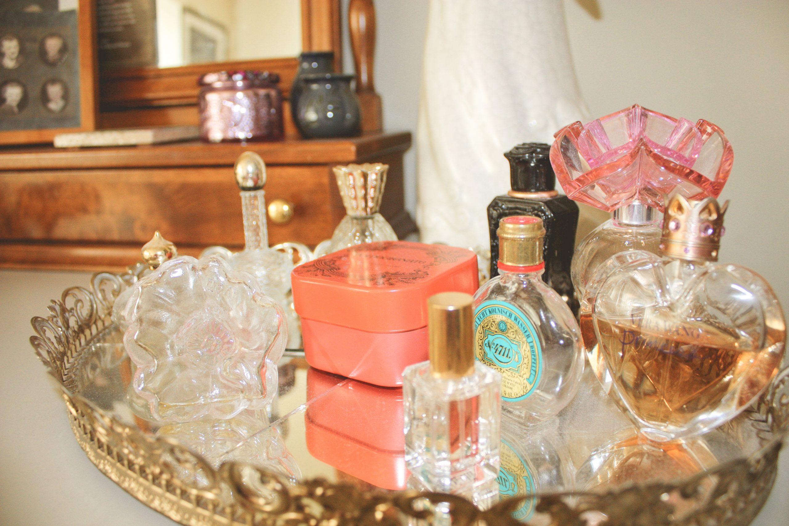 vintage_perfume-bottles